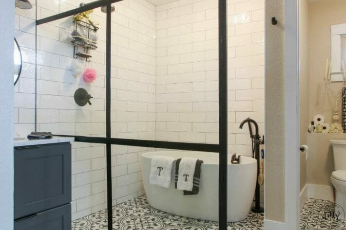 airbnb-fort-collins_charming-suite-bathroom.jpg?strip=all&lossy=1&resize=710%2C473&ssl=1